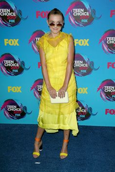 Teen Choice Awards 2017 – Best Dressed – Page 23 – Fashion Style Mag Millie Bobby Brown, Teen Choice Awards 2017, Browns Fans, Nice Dresses, Summer Dresses, Fashion Mag, Hottest Pic, Brown Fashion, Yellow Dress