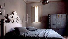 beautiful Italian palazzo with contemporary minimalist furnishings - love the contrast.  desire to inspire - desiretoinspire.net - The architect's home2