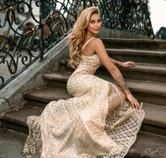 Glamour dress outdoor portrait photography Outdoor Portrait Photography, Outdoor Portraits, Glamour, Photo And Video, Formal Dresses, Instagram, Style, Fashion, Moda