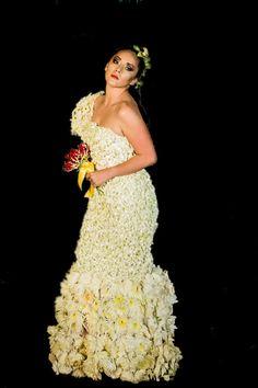 Mas de mil orquideas dendrobium naturales en tu vestido de novia !