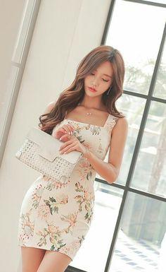 Hermoso, sexy y muy femenino. Me encanta. Son Youn Ju.