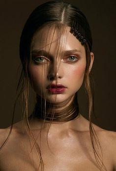 Publication: OOB Magazine Model(s): Katiusha Feofanova Photographer(s): Kailas Hair & Make-Up: Daven Mayeda, Francisca Saavedra Makeup Inspo, Makeup Inspiration, Beauty Makeup, Hair Makeup, Hair Beauty, Makeup Brush, Makeup Art, Editorial Hair, Beauty Editorial