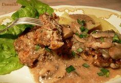 Salisbury steak gombamártással recept képpel. Hozzávalók és az elkészítés részletes leírása. A salisbury steak gombamártással elkészítési ideje: 85 perc