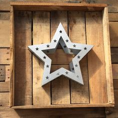 Now this has star qualities. Decorate with a succulent and frame with a DIY pallet box and you'll see this star shine at your next outdoor get together.