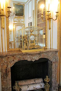 Louis XV fireplace made out of Sarrancolin Ilhet marble for the Cabinet of the Despatches in Versailles Palace. Palace Of Versailles, French Architecture, Marble Fireplaces, Architectural Antiques, Cladding, Brown And Grey, Foyer, Indoor Outdoor, Louis Xvi