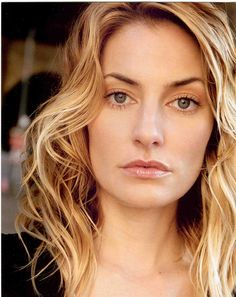 Mädchen Amick at age 41. The aunt from Witches of east end.