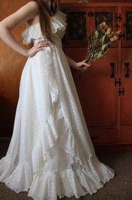 wedding dress  - style 70's