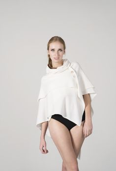 Cozy Cape for Fashion ladies - handmade in Germany from Simone Cuntz. Check simonecuntz.de