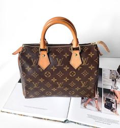 Just a few gift ideas for you to me Louis Vuitton Neverfull Mm, Louis Vuitton Suitcase, Louis Vuitton Handbags 2017, Louis Vuitton Speedy 25, Handbags Michael Kors, Authentic Louis Vuitton, Tote Handbags, Celine, Louis Vuitton Keychain