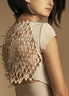 culturalSKIN is an independent study currently being conducted at Tulane School of Architecture by. Diy Couture, Couture Fashion, Laser Cut Fabric, Smart Textiles, Lazer Cut, 3d Laser, Clothes Crafts, Fabric Manipulation, Paper Cutting