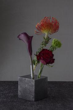 A Single Vase For Three Flowers by Yukio Kimura - 谷德设计网