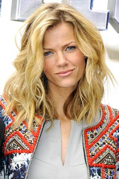 Brooklyn Decker's sh