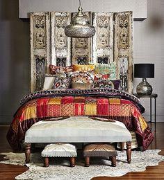 otantik yatak odalari gizemli mistik dogu esintili dekorasyon koyu renkler mavi kirmizi kahve turuncu yesil pembe lambalar (11)
