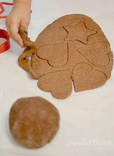 NO COOK Cinnamon Ornament Recipe 1 cup of flour 1/2 cup of salt 1/2 cup of cinnamon 3/4 cup of very warm water