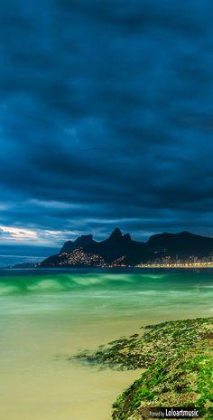 Ipanema Beach, Rio De Janeiro, Brazil  (Photographer: José Eduardo Nucci)