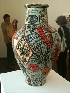 You can never EVER go wrong with a bit of Grayson Perry. Grayson Perry, Manipulation, China Art, Clay Design, Art For Art Sake, Ceramic Artists, Sculpture Art, Ceramic Sculptures, Artist Art