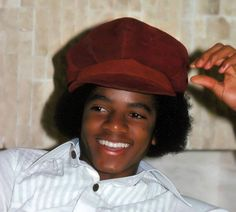 Beautiful Pic of a young Michael Jackson The Jackson Five, Jackson Family, Janet Jackson, Young Michael Jackson, Photos Of Michael Jackson, The Jacksons, Soul Music, Beautiful Smile, American Singers