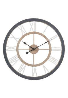 Horloges : le modèle bicolore Maisons du MondeEn bois peint, Ø 70 cm, Montigny snow, Maisons du Monde, 79,99 €