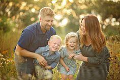Iowa family photography, family photography, young children family photos, family photos style, maternity photos, family photo outfits