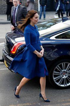 Kate Middleton Photos Photos  Catherine la Duchesse de Cambridge visite un Enfant Be