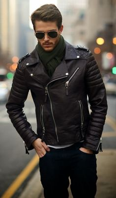 Awesome 35 Fashionable Spring Men Outfits With A Leather Jacket from http://www.fashionetter.com/2017/04/12/fashionable-spring-men-outfits-leather-jacket/