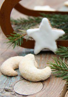 Dinkel-Vanillekipferl Merry, Xmas, Sugar, Cookies, Desserts, Food, Almonds, Biscuits, Cakes