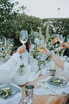 Grüne und weisse Outdoor Dinner Party | repinned by @hosenschnecke♡