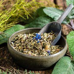 """Unser Rachenfeger Tee 🍵 hat gerade das #Amazon #choice #badge """"Husten Tee"""" erhalten. Was soviel heißt das die Kunden diesen als den besten Husten Tee definieren und darum auch kaufen.  🙏🏻 Danke für Dein vertrauen!   #tea  #tee #kraeutertee #hals #rachen #halsweh #agina  #herbal #kraeuter er #fruechte  #gesund #healthy #healthydrink #warm #teatime #itsteatime  #tealover #organic #healthy #instatea #teaaddict #tealovers #tealife #throat #neck Vitamin C, Kraut, Acai Bowl, Tea Time, Breakfast, Food, Sage, Elder Flower, Hibiscus"""
