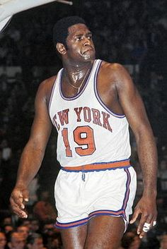 Willis Reed - played 10 seasons for the New York Knicks - Sport Basketball, New York Basketball, Basketball Pictures, Love And Basketball, Basketball Legends, Basketball Players, Louisville Basketball, Basketball Quotes, Lakers Team