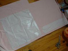 bonjour tout le monde, alors je continue dans mes experimentations en couture et tuto! hihihi! j'avais trois bloc de mousse ferme depuis des lustres, a la base je voulais en faire une tete de lit... et hier le flash... je vais en faire une chauffeuse...