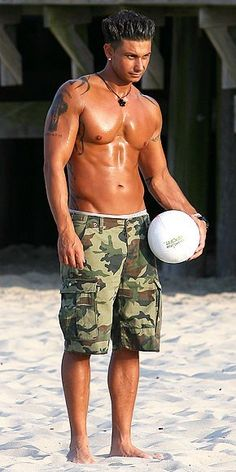 Shut up. Pauly D is totally hawt. http://bit.ly/HqvJnA