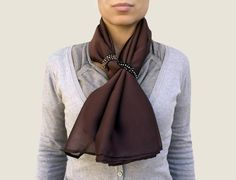 Spring Scarves, Oversized Scarf, Silk Shawl, Scarf Jewelry, How To Wear Scarves, Perfect Woman, Elegant Outfit, Scarf Styles, Womens Scarves
