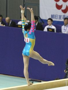 イメージ 15 Idf Women, Military Women, Artistic Gymnastics, Gymnastics Girls, Balance Beam, Female Gymnast, Rhythmic Gymnastics Leotards, Dynamic Poses, Female Poses