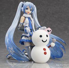 [New figma] Snow Miku figma to spread some holiday cheer - http://sgcafe.com/2013/12/new-figma-snow-miku-figma-spread-holiday-cheer/