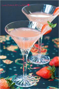 Love Potion #9 Cocktail /      1½ ounces Vodka     ½ ounce Peach Schnapps     3 ounces Pink Grapefruit juice     1 Strawberry