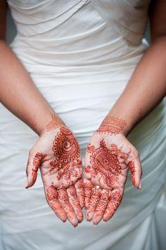 Alternative Wedding Photography - Islington Town Hall wedding - London pub wedding - urban wedding - London wedding - creative documentary wedding photography - henna hand tattoos