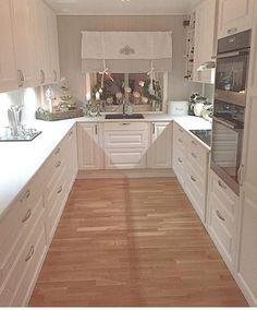 fudge without baking – Aneta Kaczyńska – # Kaczyńska # fudge … – Küche landhausstil – Küche einrichten Cosy Kitchen, Kitchen Room Design, Home Decor Kitchen, Country Kitchen, Kitchen Interior, New Kitchen, Home Kitchens, Kitchen Dining, Kitchen Cabinets