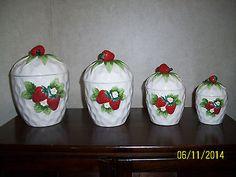 Vintage Lefton Strawberry Cannister Set - Lefton Ceramic China Strawberries (4)