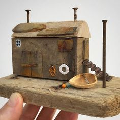 Make 16000 Projects With Step By Step Plans and videos Scrap Wood Crafts, Wooden Crafts, Driftwood Projects, Driftwood Art, Small Wooden House, Toy House, Beach Wood, Timber House, Cool Woodworking Projects