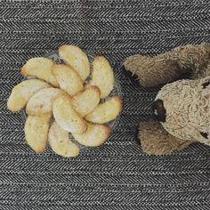 Yum yum yum. #vanillekipferl #vanillastar #christmasiscoming #gettingclose #fluffy #fluffykitchen #chefsofinstagram #plushiesofinstagram #fluffy #fff #doglovers #cookielover