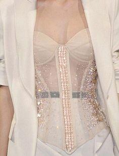 lamorbidezza:  Antonio Berardi Spring 2010 Details  Haute Couture blog :)