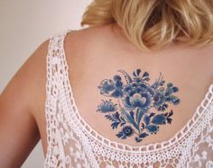 Temporary tattoos. Floral Delft Blue and more door Tattoorary