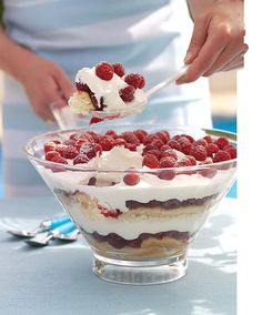 The trifle gets a fresh summer twist -- it's decadent and even more delicious than before. Chocolate Trifle Desserts, Just Desserts, Dessert Recipes, Best Trifle Recipe, Banana Pudding Trifle, Christmas Trifle, Christmas Goodies, White Chocolate Mousse, Pampered Chef Recipes