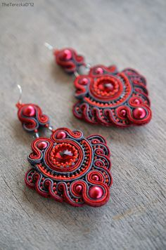 Jewel in the Crowd – Soutache and beaded jewellery Soutache Pendant, Soutache Necklace, Beaded Earrings, Earrings Handmade, Beaded Jewelry, Crochet Earrings, Handmade Jewelry, Jewellery, Soutache Tutorial