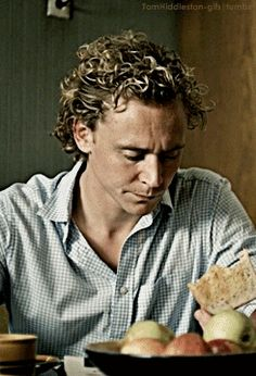 Thomas William Perfect Hiddleston, Hiddles in the morning Appreciation Post: 2002//...