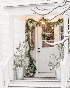 Very Merry Christmas, Christmas Items, Christmas Candy, White Christmas, Christmas Tree, Outside Christmas Decorations, Holiday Decor, House Front, Front Porch