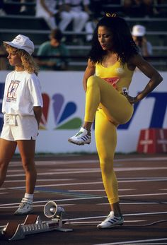 The Fastest Woman in the World Was the Most Fashionable, Too: Flo-Jo's Olympics Style Flo Jo, Olympic Track And Field, Track Field, Sport Top, Vintage Black Glamour, Sports Stars, How To Run Faster, Female Athletes, Women Athletes