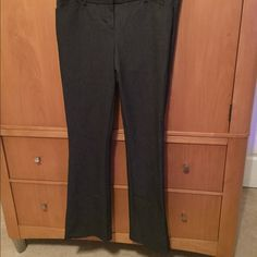 Express pants Gray pants never worn!!! Express Pants Straight Leg