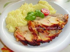 Érdekel a receptje? Beef Recipes, Cooking Recipes, Hungarian Recipes, Hungarian Food, 4 Ingredients, Sausage, Dinner Recipes, Pork, Food And Drink