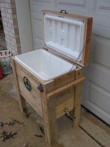Pallet wood cooler 225x300 24 idées de recyclage de palettes (article 2 de 2)